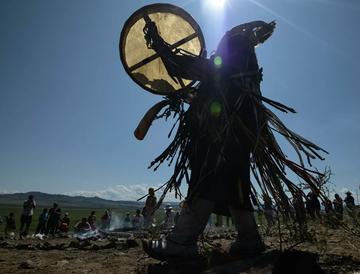 «Россию пора спасать». Что шаманы готовят для президента