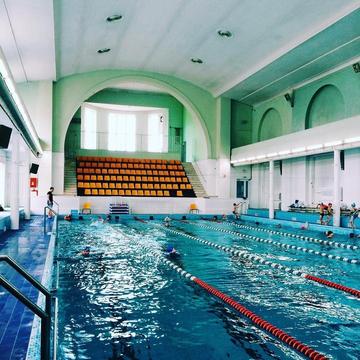 Где плавать в Петербурге: спортивные бассейны с возможностью разового