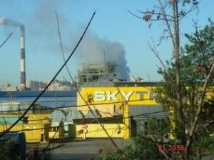 Жители Коломяг устали от токсичного «АБЗ-1»: страдает экология