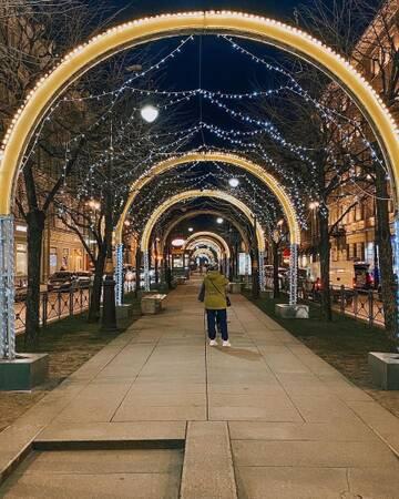 В Петербурге активно готовятся к Новому году