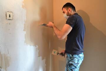 В Приморском районе идет ремонт квартир для детей-сирот