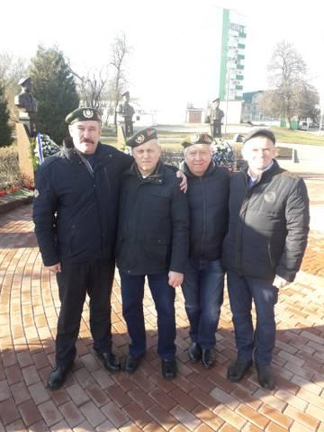 http://forumupload.ru/uploads/0011/90/c9/324/t51622.jpg